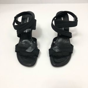 Donald J Pliner Black Strappy Leather Heels 8